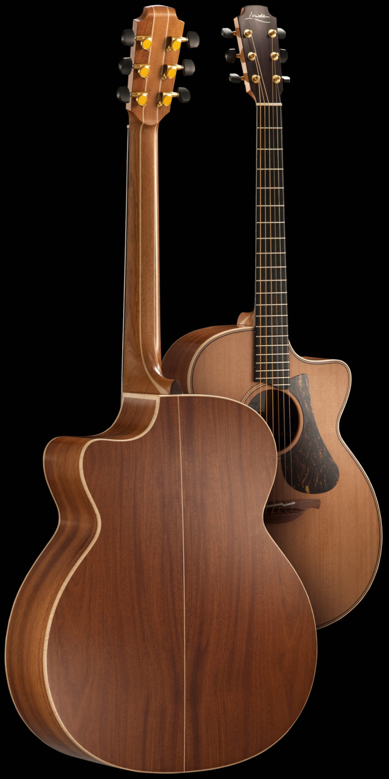 img-guitar-oldlady-back